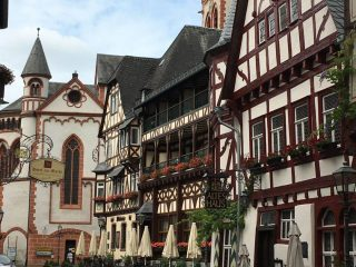 Bacharach is a charming town in the UNESCO World Heritage section of the Rhine River. We've compiled 25 photos to help inspire you to visit Bacharach, Germany #bacharach #germany #rhineriver