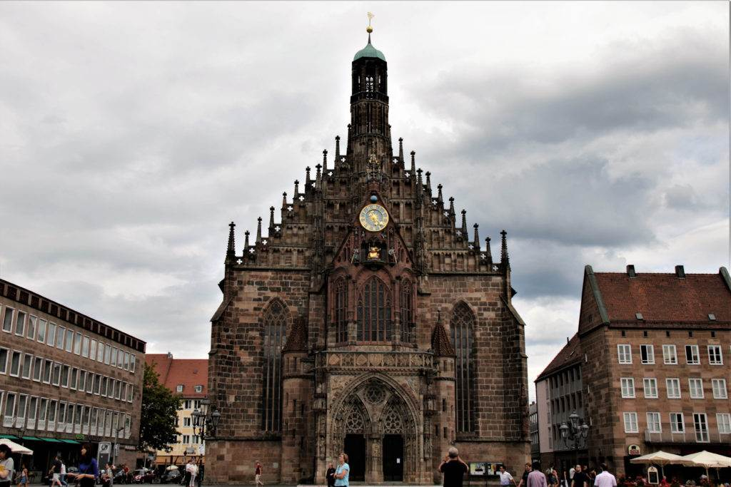 Your trip to Bavarian Germany has to include Nuremberg. From walking the old town wall, to eating Nuremberg sausages and taking selfies in front of a 13th-century castle, we have outlined what to see, do and eat while in Nuremberg! #nuremberg #germany #visitnuremberg #thingstodoinnuremberg