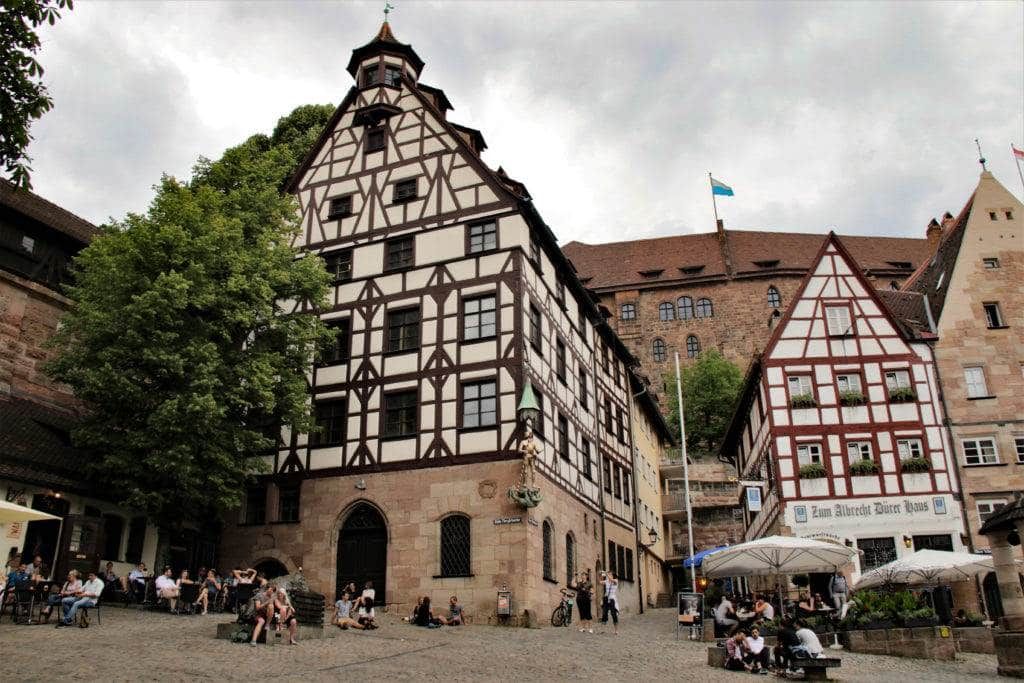Planning a trip to Germany? Let our photos inspire you to add Nuremberg to your list. Surrounded by a medieval town wall, Nuremberg is full of old world charm. Visit the castle, see historic churches and eat some amazing Nuremberg Bratwurst! #nuremberg #germany #visitnuremberg #visitgermany #picturesofnuremberg #castles