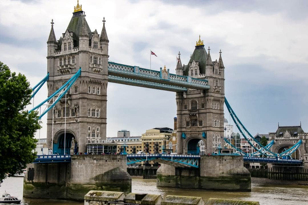 Let us show you how to get the most out of your time, but still be able to relax and enjoy the city. You won't miss out on any of the major attractions with our guide. #london #londonitinerary #firsttimeinlondon #visitlondon #wheretostayinlondon #westminsterabbey #unitedkingdom