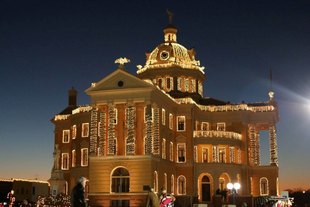 Texas is never short on things to do, and that includes holiday celebrations. Check out this list of 20 Christmas towns in Texas! #texas #christmas #texastowns #Christmastowns