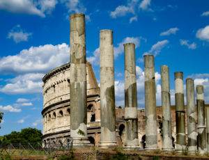 Planning a trip to Rome? Discover the tips and tricks for visiting Rome's most famous sights. This post outlines the Colosseum, The Forum, and Palatine Hill. #rome #visitingrome #palatinehill #romanforum #colosseum #visitingthecolosseum #romancolosseum #ancientrome #romeitinerary