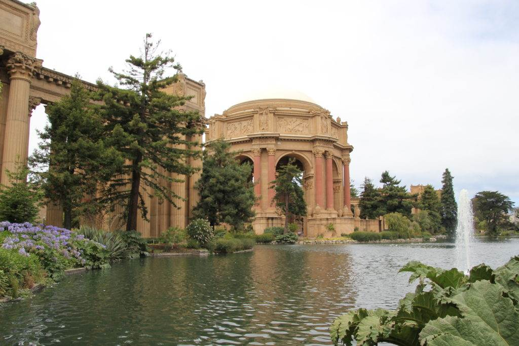 Planning a trip to San Francisco? Check out our list of the top attractions and tours in San Francisco so that you can make the most of your time here. #sanfrancisco #visitsanfrancisco #sanfranciscoattractions #whattodoinsanfrancisco