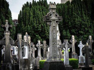 cemetery in Ireland-Ireland packing list