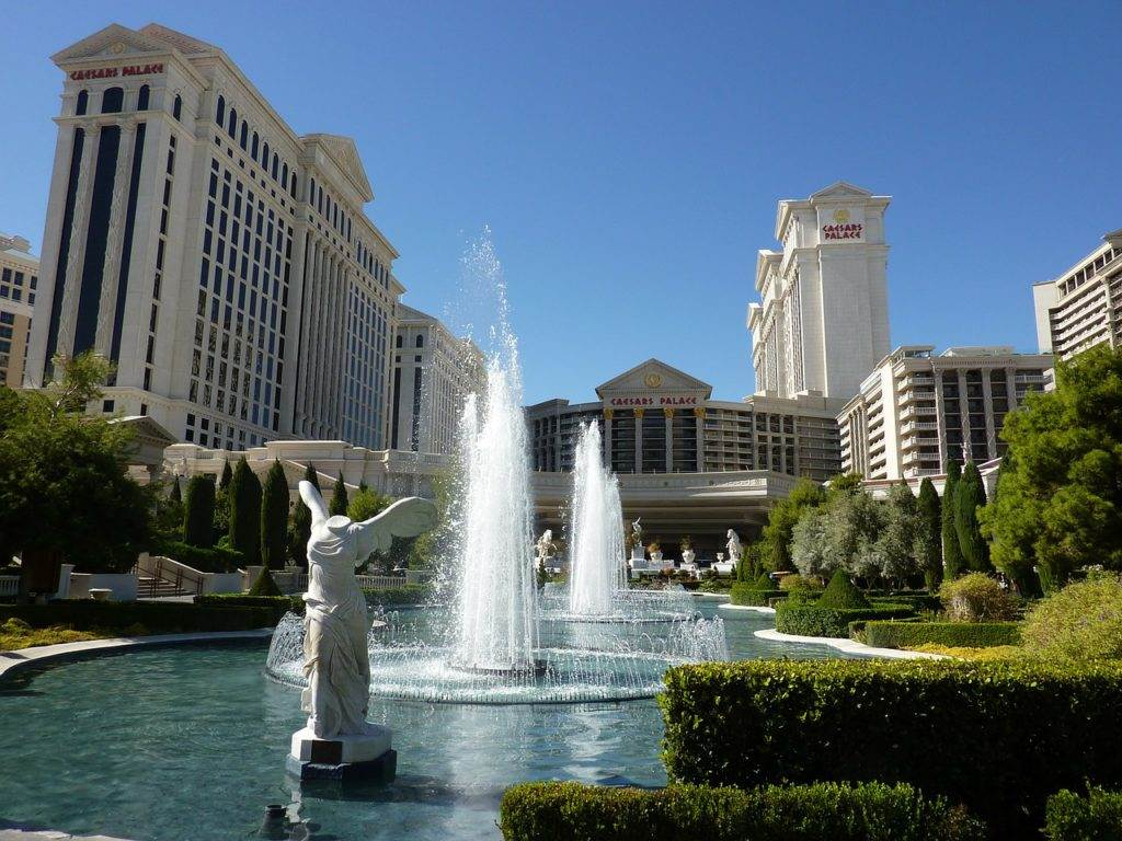 best hotels in las vegas for couples