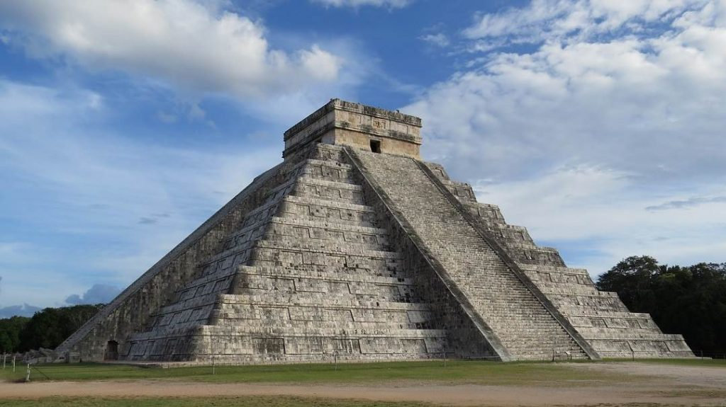 chichen itza is one of the most popular things to do in Riviera Maya