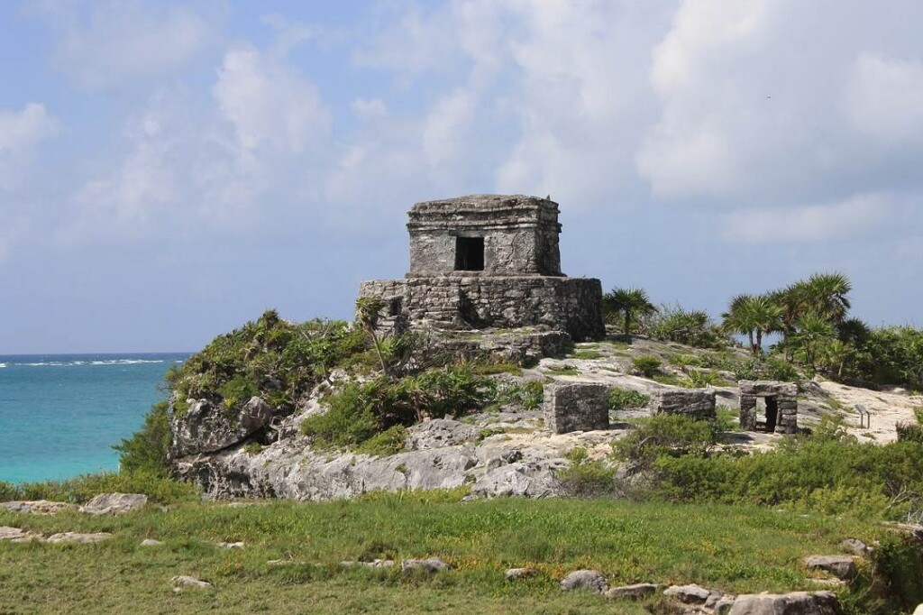 tulum is one of the awesome things to do in Riviera Maya