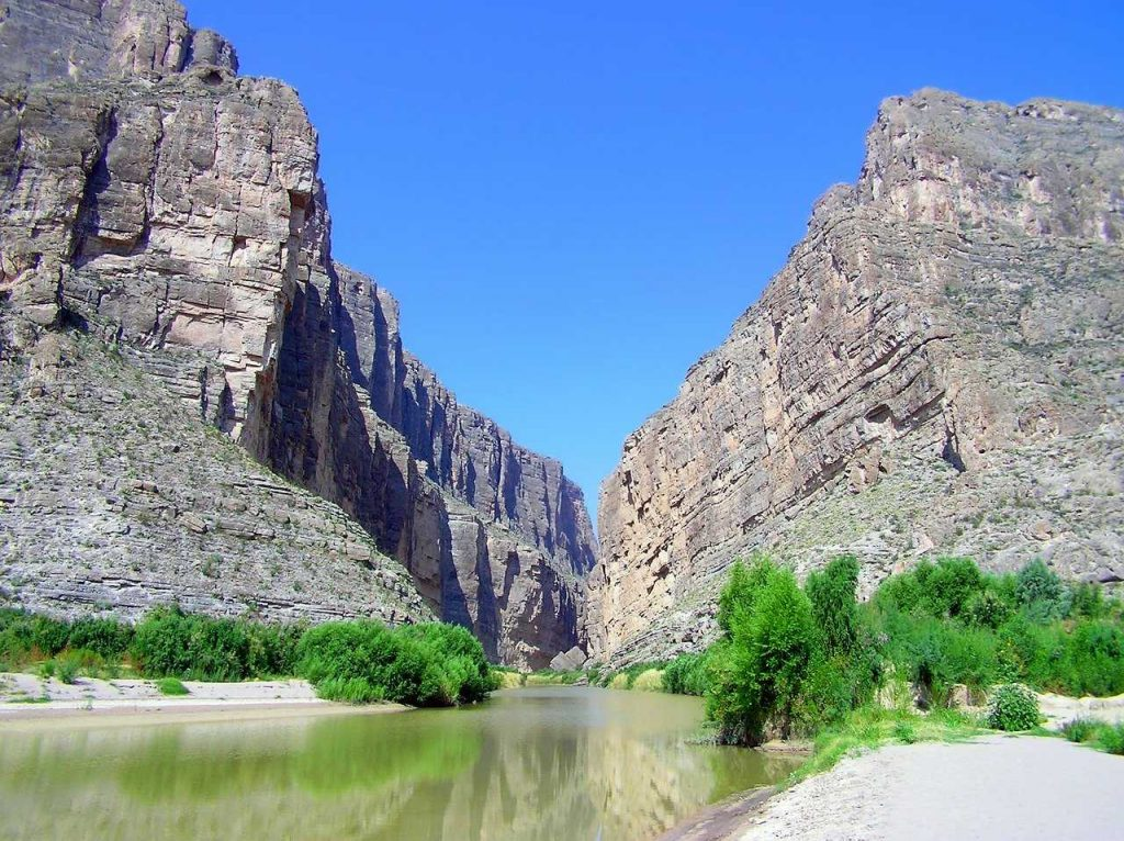 canyons and a river in Big Bend-Texas bucket list