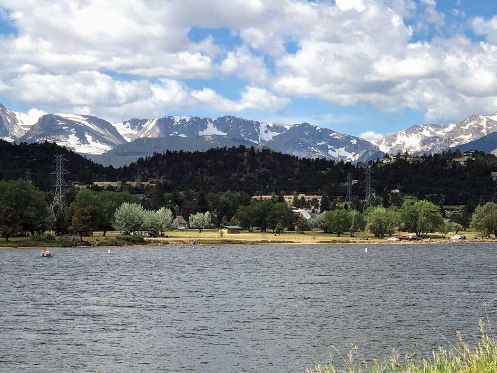 Wondering what to do in Estes Park? Visit Lake Estes!