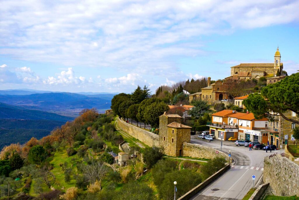 Montalcino-Towns in Tuscany