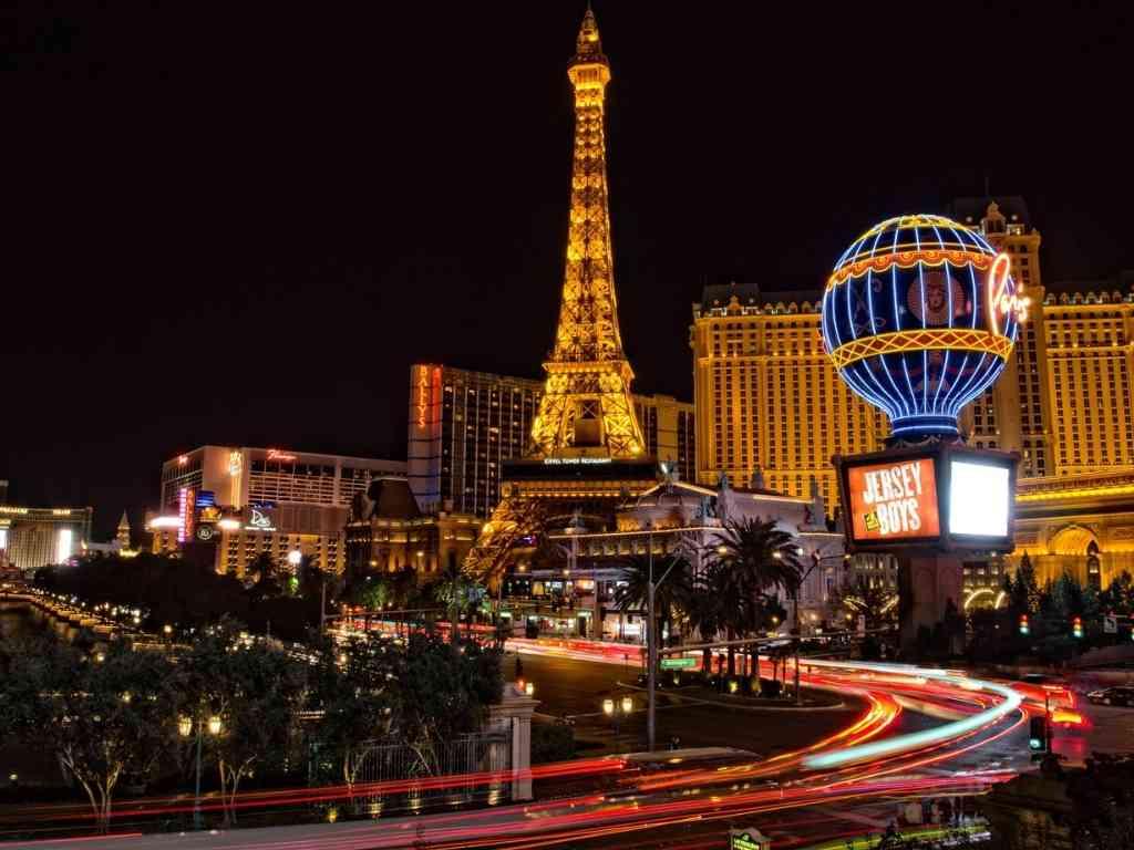 Paris hotel and Eiffel tower in Las Vegas