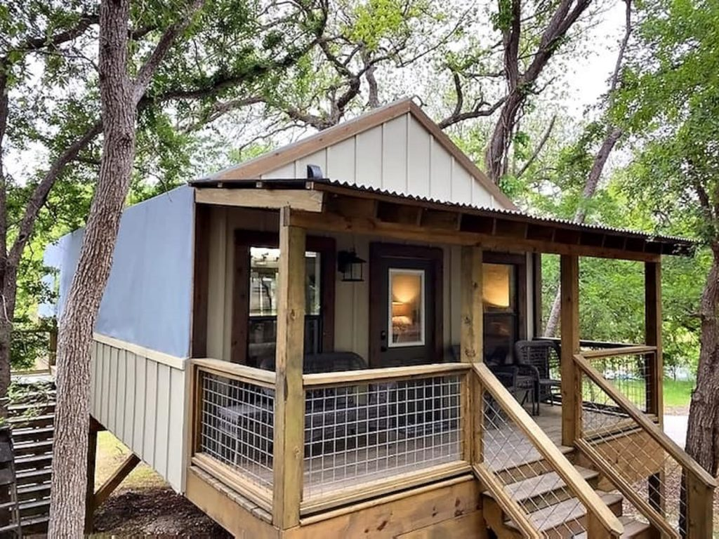 treehouse-Texas glamping